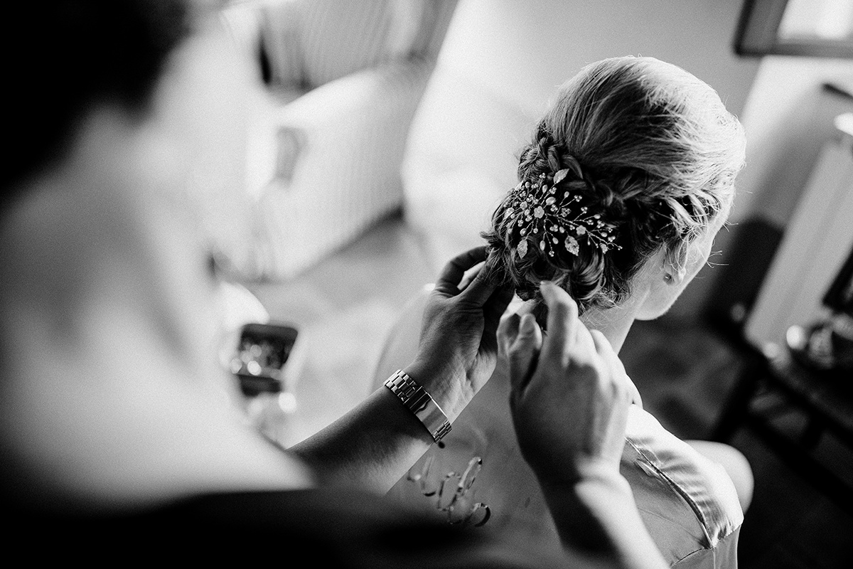 Wedding in Val d'orcia - Hairstyle and M...